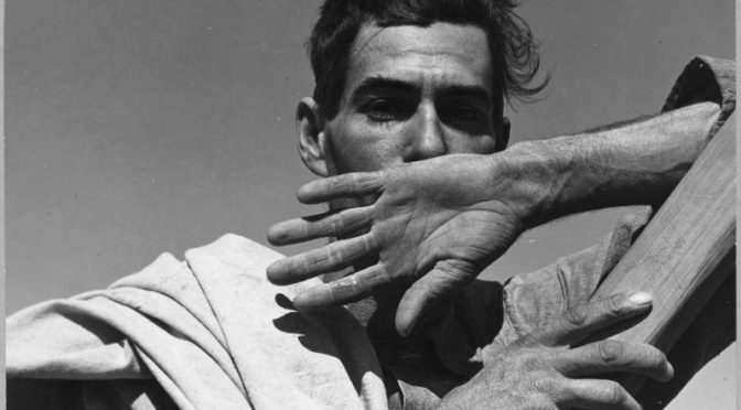 The Dirty Thirties: New Deal Photography Frames the Migrants' Stories